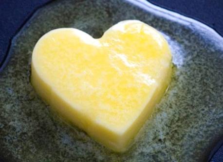 "Margarin VS Maslac: Vrlo česta dilema (i kako proveriti ""čistoću"" maslaca)"